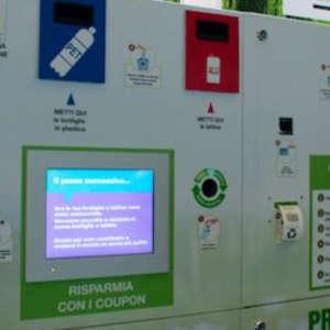 Roccella Jonica promuove il riciclo incentivante grazie all'installazione di un nuovo eco compattatore